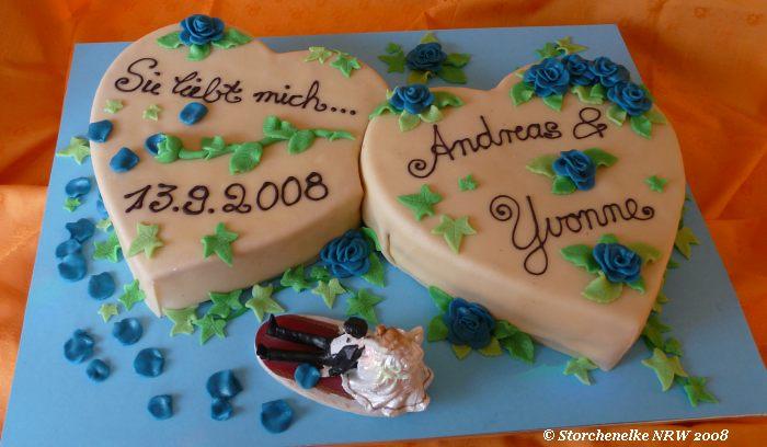 Doppelherz Hochzeitstorte Mit Blauen Marzipanrosen